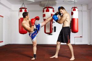 Тренировки по кикбоксингу