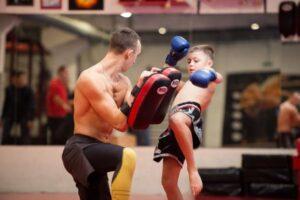 Тренировки по кикбоксингу для детей в Киеве